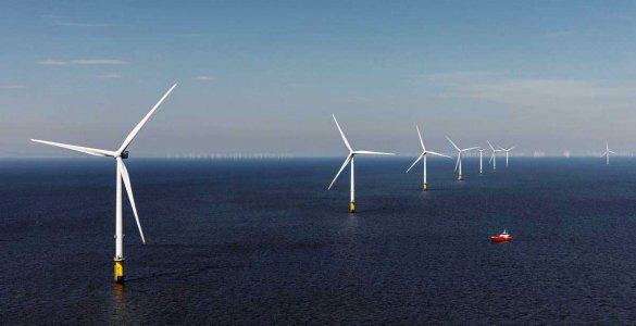 Parc d'éoliennes marines