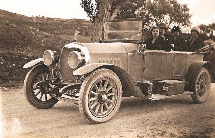 Et si rouler peu dans une vieille voiture était la meilleure solution pour la planète