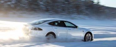 Tesla dans la neige