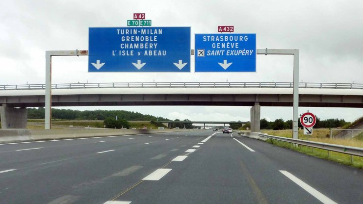 Autoroute A43 wikimedia commons