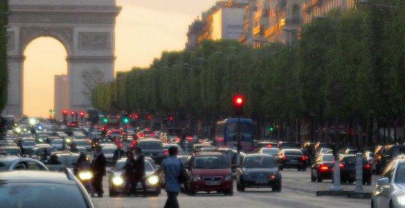 Paris Champs Elysées Wikimedia Commons