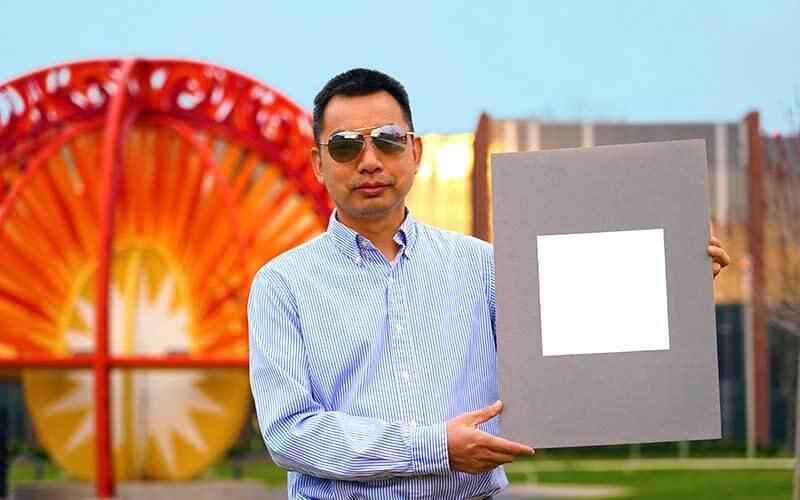 Professeur Xiulin Ruan Peinture Ultrablanche Purdue University