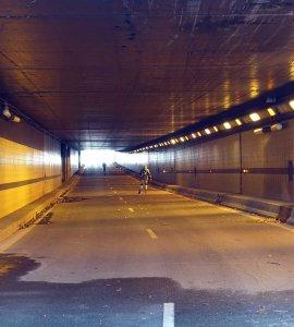 Tunnel voie george pompidou Wikimedia Commons